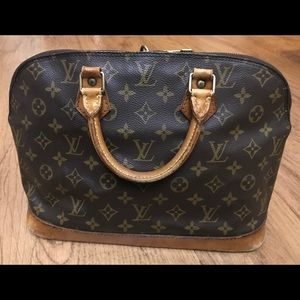 Authentic Loui Vuitton Alma Monogram Satchel